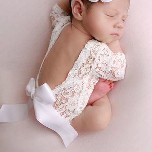 Lace newborn outfit. Photography props.